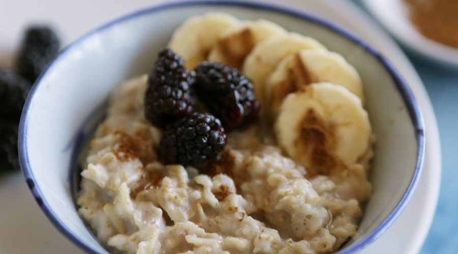 How oatmeal can help with weight loss